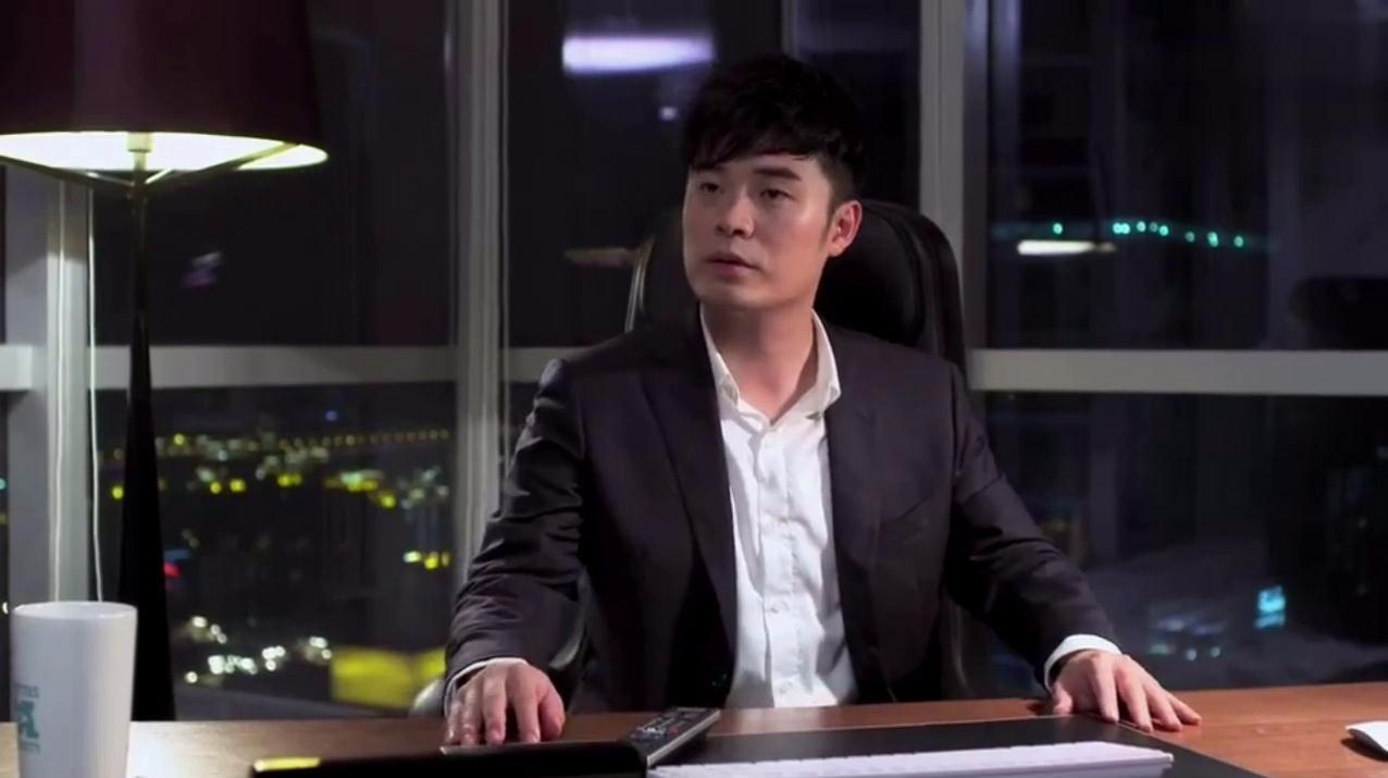 陈赫发现电视里正在播他演的剧,一下子就懵逼了