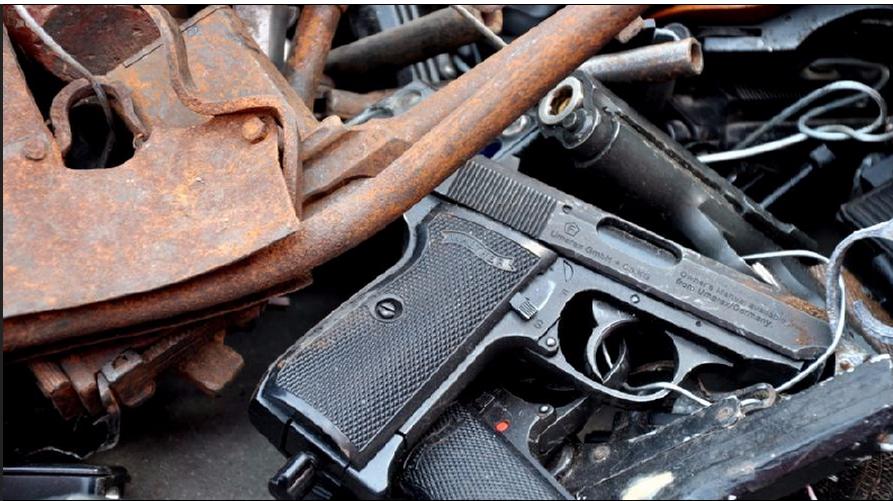 你以为警察把那个违禁枪支收缴上来自己用么?原来这都大有用途
