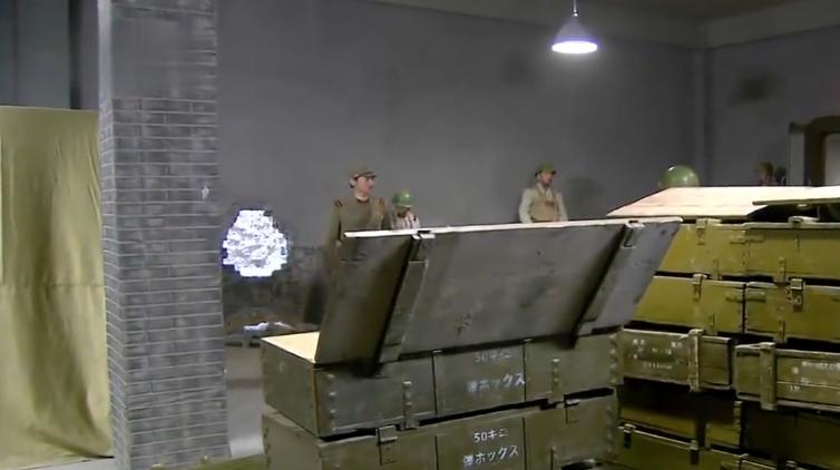 游击队挖了条密道,把日军的弹药库洗劫一空,鬼子气得大发雷霆