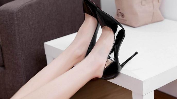 时尚:30厘米的高跟鞋,也只能在家里穿穿,出门会崴脚