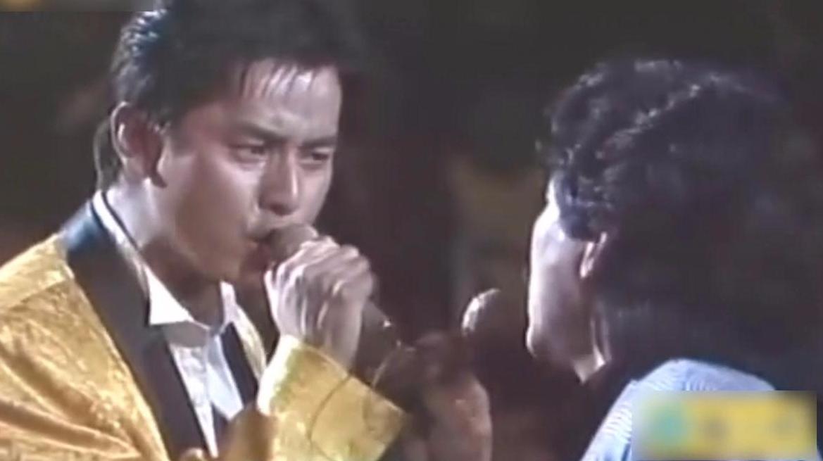 林子祥连唱9分钟的超长串烧,还拉台下的张国荣、谭咏麟玩对唱