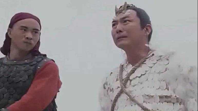 男子被皇上下令斩首,关键时刻现出真身,皇上吓的跪地磕头