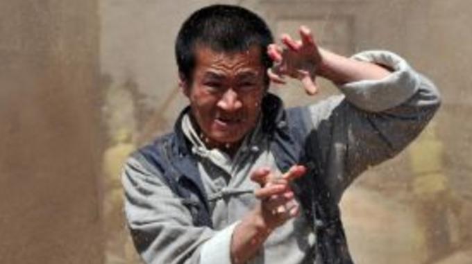 """江湖再现""""鹰爪功"""",大叔隐藏多年竟会这功夫"""